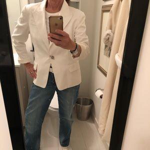 Short White Cotton blazer with silver toggle close